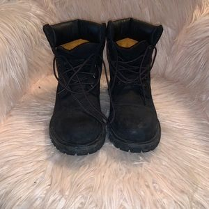 Size 8 All black timberlands - easy to clean up